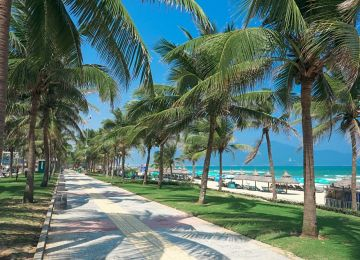 da-nang-beach-vietnam-beach-holiday