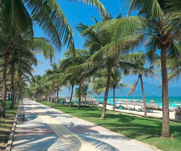 da-nang-beach-vietnam-beach-holiday