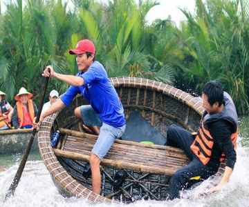 Daily_tours_hoian_basket_boat_tour