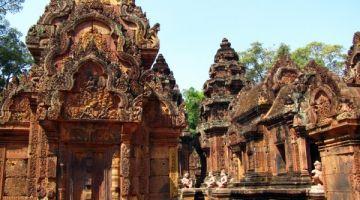 Cambodia-Tour-Banteay-Srei-Temple